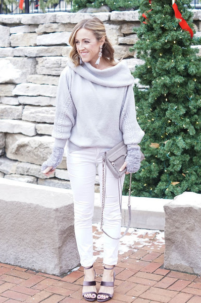 twopeasinablog blogger shoes sweater jewels pants bag winter outfits grey sweater grey bag white pants sandals