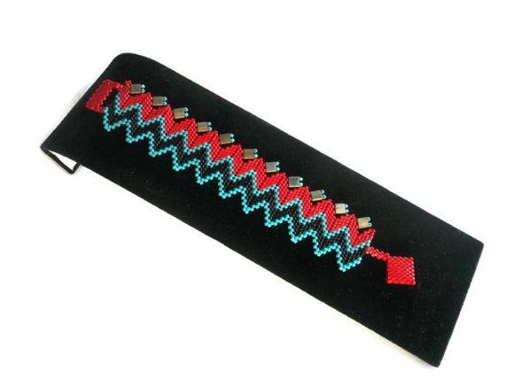 Peyote Bracelet  Chevron Bracelet  Jewelry  Boho  by GULDENTAKI