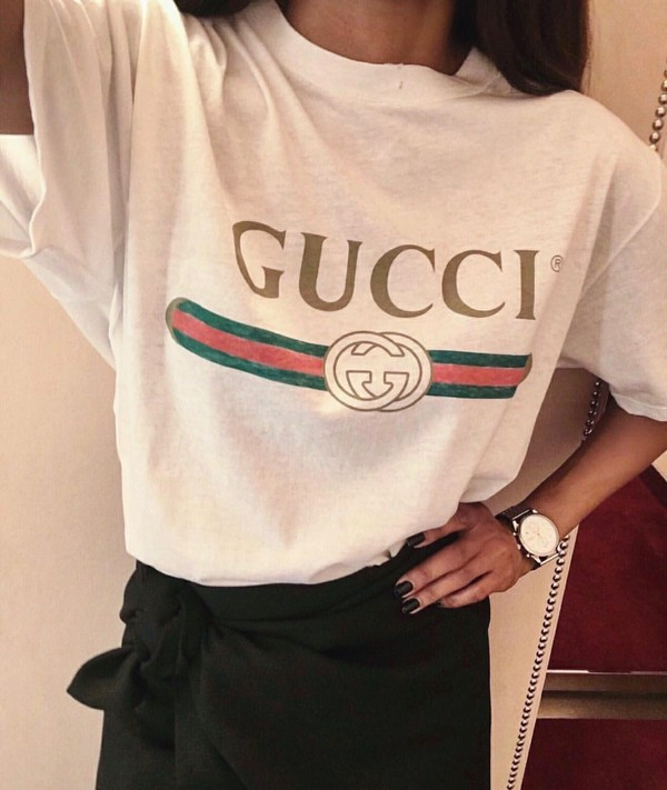 gucci appliqu d distressed printed cotton jersey t shirt. Black Bedroom Furniture Sets. Home Design Ideas