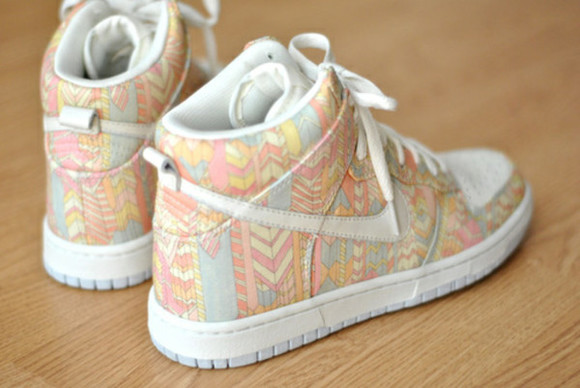 shoes print nike aztec summer pastel colours