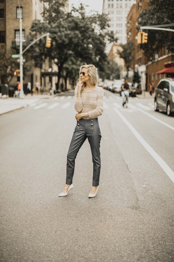 yael steren blogger sweater pants shoes fall outfits grey pants pumps high heel pumps