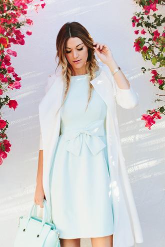 a little dash of darling blogger bag white coat blue dress light blue bow dress blue bag tiffany blue