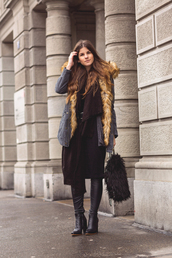 the fashion fraction,blogger,coat,cardigan,dress,scarf,belt,shoes,bag,furry pouch