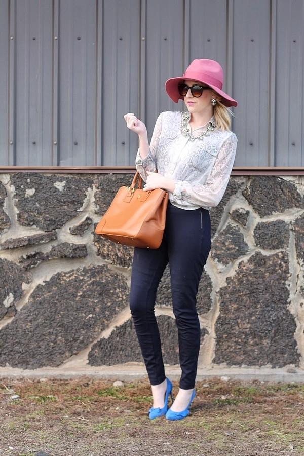 fashion flirtation t-shirt pants bag hat shoes sunglasses jewels