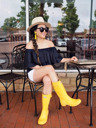 gracefullee made blogger top shorts jewels sunglasses shoes bag hat