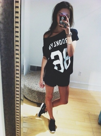shirt brooklyn shoes shorts black t-shirt 86 slouchy white nike dress top blouse jersey jersey tee shirt nike free run nike shoes tumblr tanned black top nikes black nikes love fashion style clothes summer shopping like urban number tumblr outfit white numbers brooklyn 86 86 letter t shirts