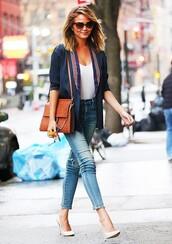 bag,chloe faye bag,chloe bag,chloe,brown bag,white top,jeans,blue jeans,pumps,pointed toe pumps,high heel pumps,chrissy teigen,celebrity,blazer,blue blazer,sunglasses,streetstyle