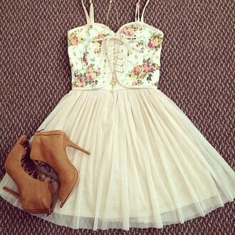 dress floral floral skirt summer summer dress summer outfits shoes girly vintage pastel cute pretty casual spring flowers pink skirt hot boots corsage short dress blouse tandress floral white short dress white weheartit black dress lace up dress lace dress cute dress white dress heels cream outfit floral dress