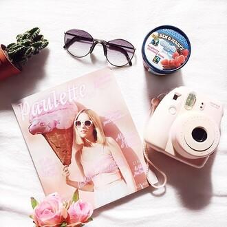 home accessory photography polaroïd girly