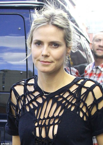 heidi klum shirt cut offs cut-out black