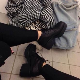 boots black boots platform lace up boots shoes black platform shoes black booties black rad tumblr beautiful shoes heels platform shoes ankle boots vagabond la vagabond dame