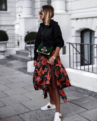 skirt sneakers tumblr asymmetrical skirt asymmetrical sweatshirt black sweater white sneakers low top sneakers bag shoes top