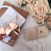 earphones,rose gold,beautiful,classy,gold earphone,gold,cool,style,swag,golden earphones,gold and white earphones,white earphones,gold ; headphones,headphones,gold headphones,tumblr,iphone,tech