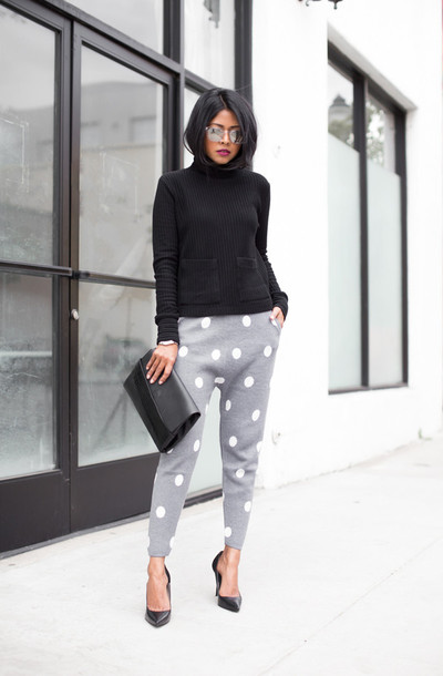 walk in wonderland blogger polka dots grey sweatpants turtleneck black sweater mirrored sunglasses top pants bag shoes sunglasses polka dot pants grey pants pumps high heel pumps black pumps