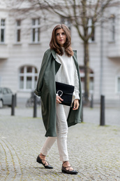 simple et chic,blogger,sweater,coat,shoes,jeans,bag,white oversized sweater,white cable knit sweater,cable knit,gucci,gucci bag,black bag,white jeans,green coat,green long coat