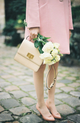 shoes tumblr kitten heels pink heels mid heel pumps nude bag bag flowers coat pink coat pastel pastel pink minimalist bag