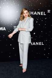 shoes,chloe grace moretz,suit,celebrity,pumps
