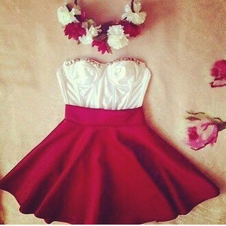 dress strapless red and white dress flare dress sweetheart neckline floral headband hat skirt top flower crown