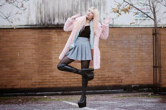 top wedges blogger kayla hadlington pleated skirt fluffy