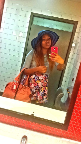 bag pink bag fashion summer outfits skirt denim nail floral forever 21 floral skirt denim shirt sun hat blue hat nail polish girly beach lunch Bloggers style adore ombre hair high waisted skirt kisses t-shirt