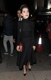 skirt,top,pumps,kiernan shipka,all black everything,midi skirt