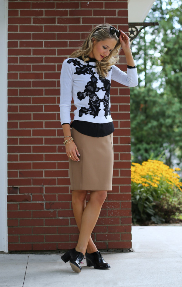 the classy cubicle blogger skirt shoes jewels sweater shirt