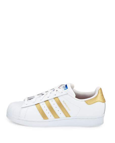official photos fc0be 86787 adidas Superstar Original Fashion Sneaker, White/Gold