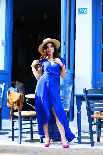 a walk in the park blogger dress shoes hat blue dress pumps wrap dress