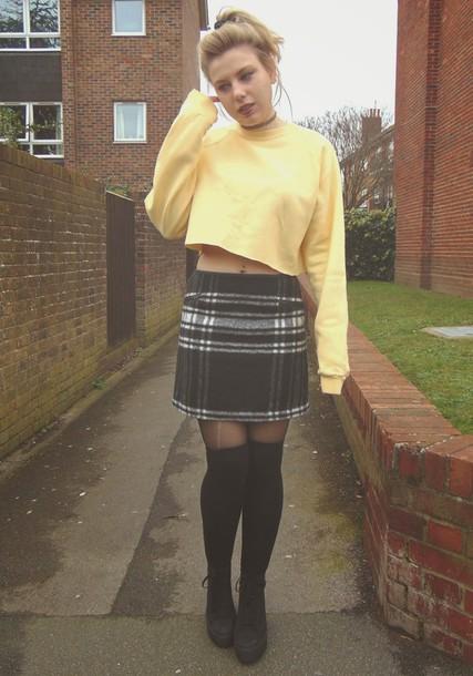 socks skirt knee plaid shoes sweater cropped wheretoget grunge velvet blogger