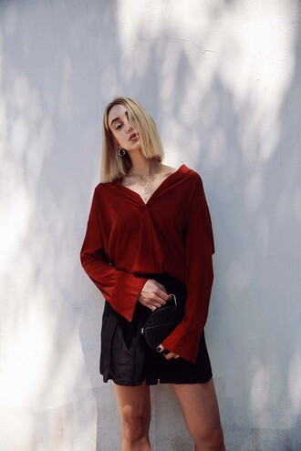 ana prodanovich blogger shirt shorts bag red top mini skirt round bag fall outfits