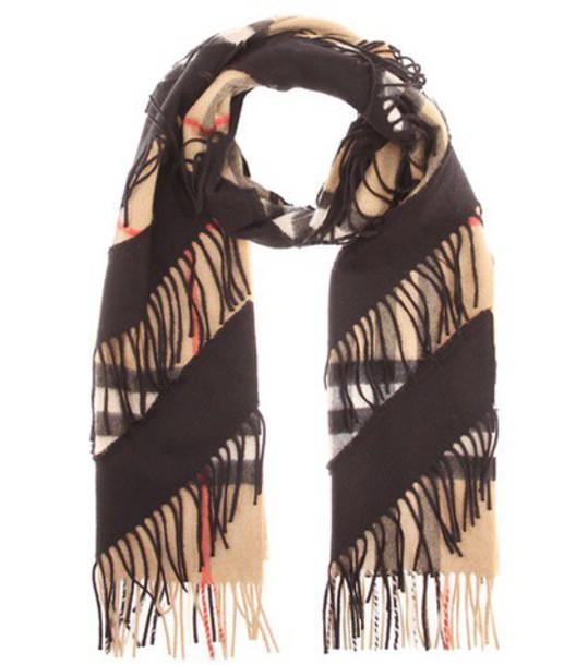 Burberry scarf beige