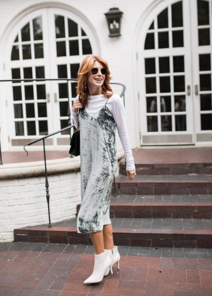 themiddlepage blogger dress t-shirt shoes jewels bag