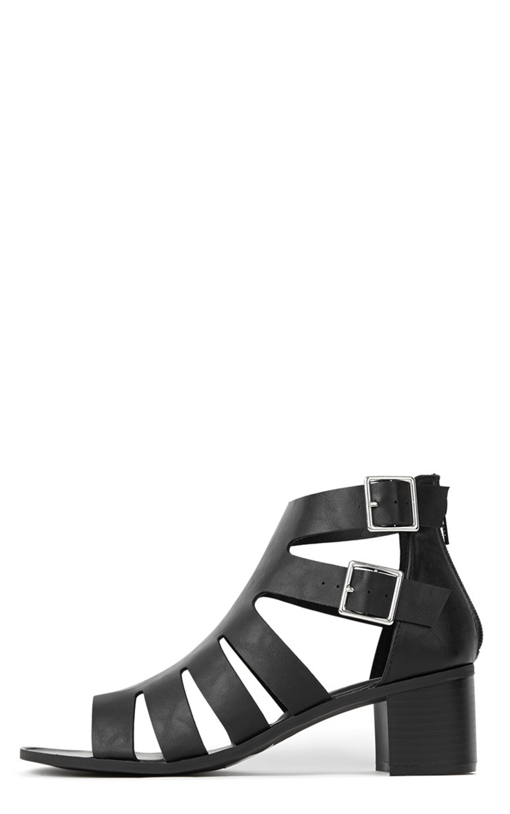 Juliana Black Block Heel Sandal - Sandals - PrettyLittleThing.com | PrettyLittleThing.com