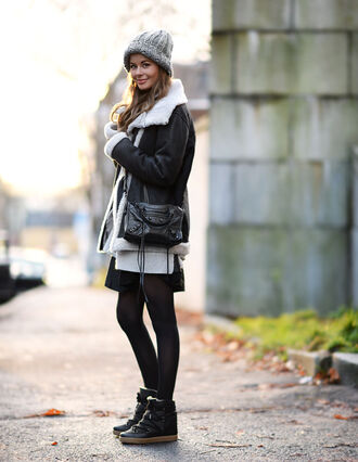 stylista blogger skirt wedge sneakers shearling jacket knitted beanie winter outfits high top sneakers