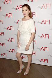 afi awards,anna kendrick,pointed toe,white dress