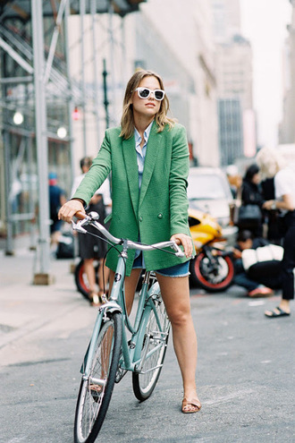 vanessa jackman blogger green jacket white sunglasses