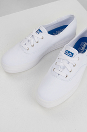 shoes,sneakers,white sneakers,platform sneakers,flatforms,keds
