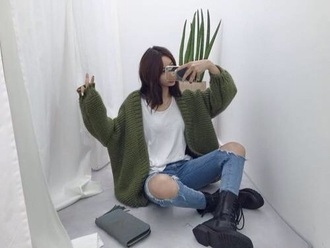 cardigan ripped jeans boots oversized cardigan green jeans