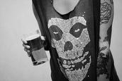 t-shirt,black dress