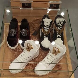 Versace Sneakers Jordans Versace Jordans...