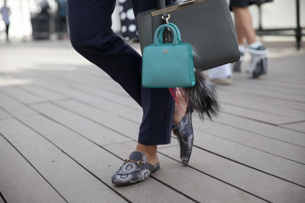 d8d734cb6e0 shoes printed slippers slippers mules gucci shoes gucci gucci princetown  bag grey bag