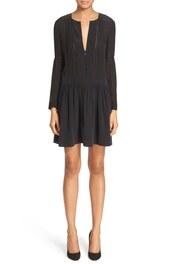 dress,pleated dress,black dress,little black dress,pleated,v neck