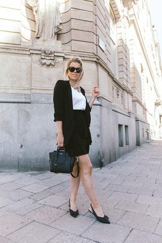 jacket skirt black skirt tumblr blazer black blazer mini skirt shoes slide shoes bag black bag jewels t-shirt