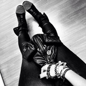 shoes,boots,military boots,black boots