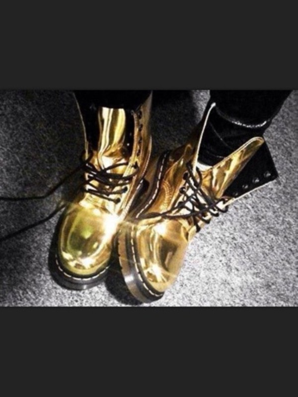 shoes DrMartens gold