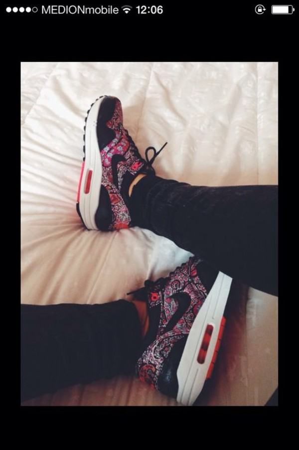 shoes air max black pink