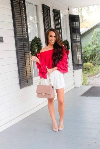 sunshine&stilettos blogger top shorts jewels bag shoes make-up chanel bag pink top white shorts summer outfits pumps