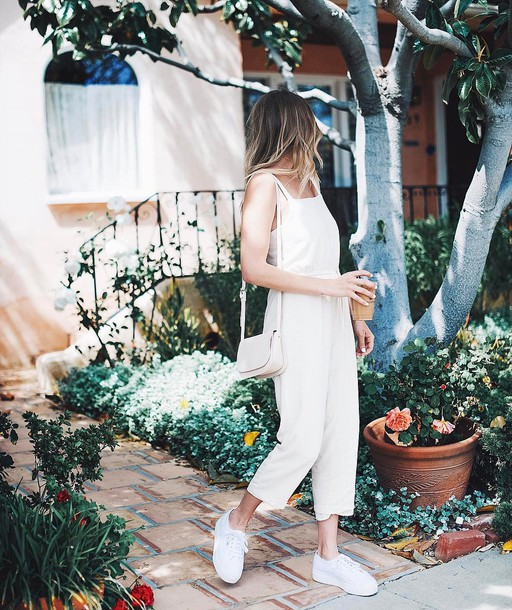 jumpsuit tumblr white jumpsuit cropped jumpsuit sneakers white sneakers low top sneakers bag white bag all white everything spring outfits