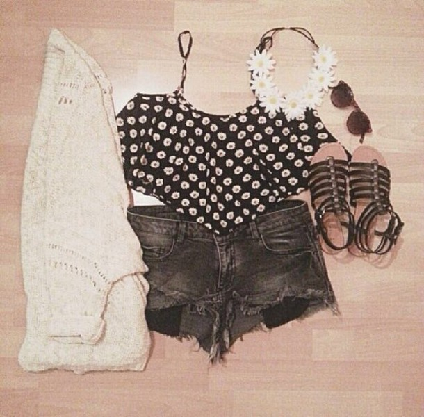 top flower crown daisy shorts cardigan sandals sunglasses