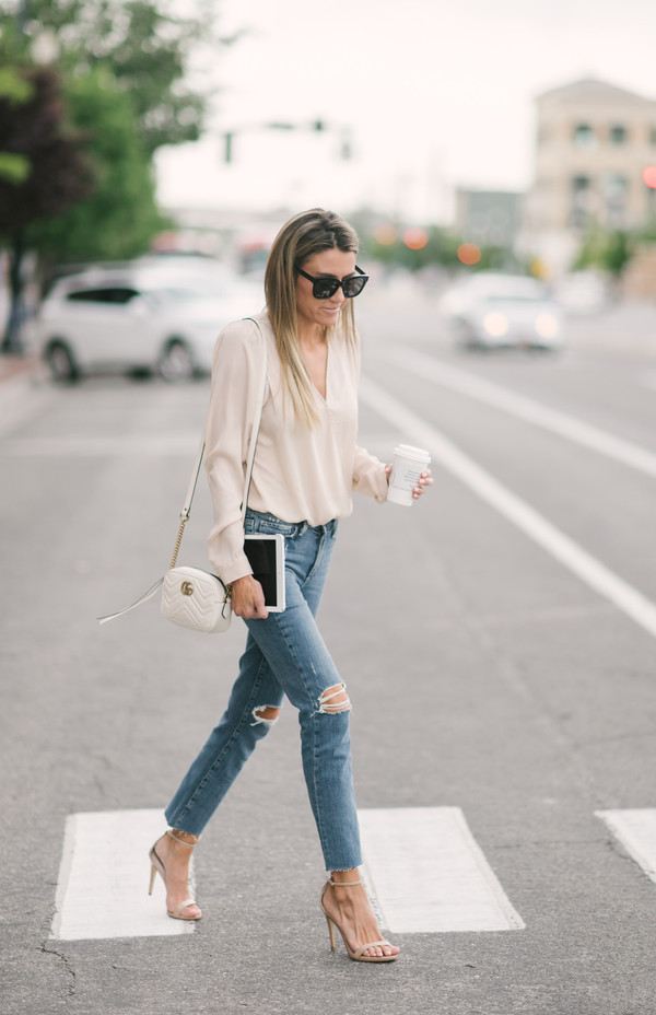 c8be1b464679 jeans sunglasses tumblr blue jeans ripped jeans skinny jeans sandals sandal  heels high heel sandals bag